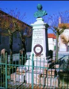 Monumento a Emanuele Gianturco
