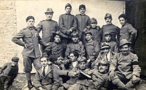 Gruppo di Reduci capracottesi della Grande Guerra (anno 1920)