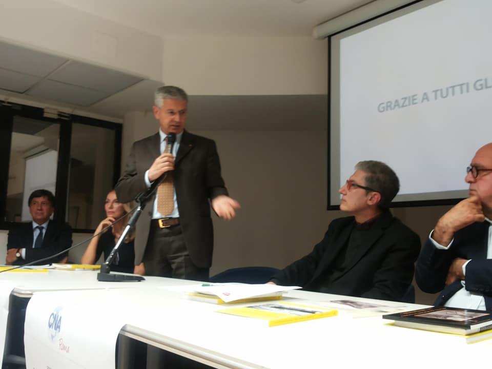 Il consigliere regionale Michele Pietraroia durante il suo intervento alla serata molisana a Roma
