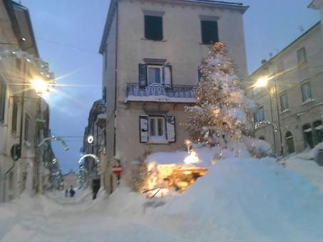Capracotta, Piazza Falconi (foto di Paolo Conti)