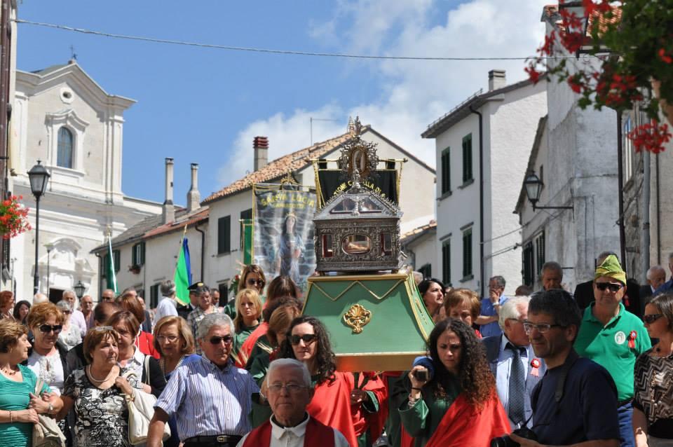 Un momento della processione delle reliquie di santa Lucia a Capracotta. Foto: Giovanni Roselli