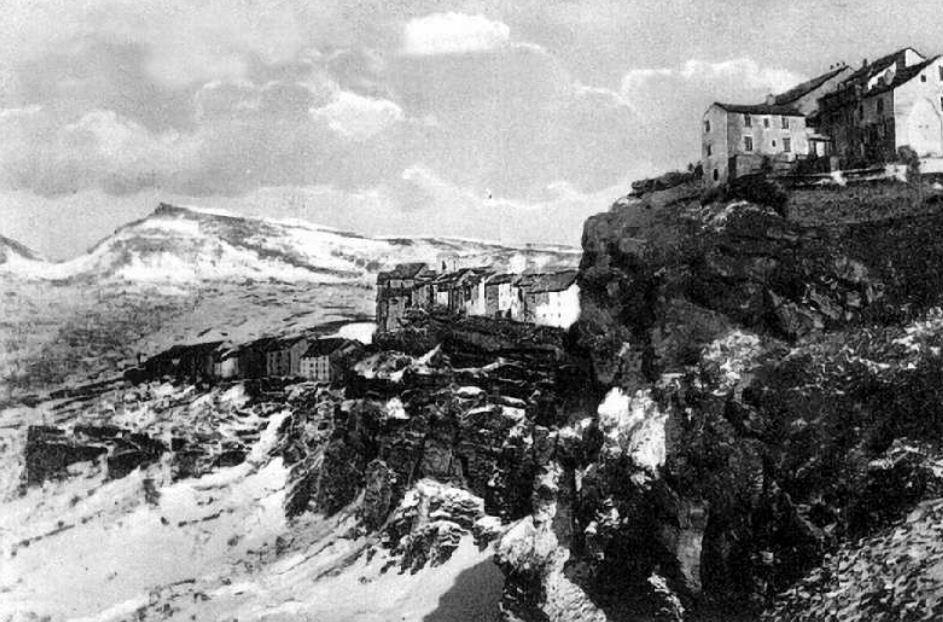 Un'immagine di Capracotta prima delle distruzioni della Seconda Guerra Mondiale