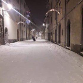 Corso Sant'Antonio a poche ore dalla mezzanotte del 31 dicembre 2018. Foto: Giovanna Paglione