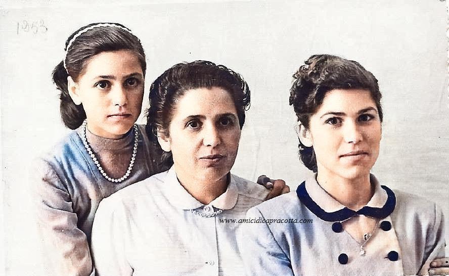 La moglie Melina e le figlie di Sebastiano Di Bucci prima della partenza per Caracas nel 1953